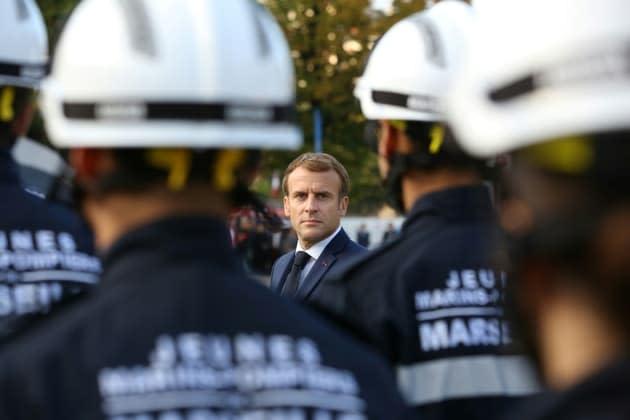 Macron annonce l'expérimentation de plateformes uniques regroupant les numéros d'urgence en 2022
