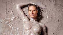 Gwyneth Paltrow: en topless y llena de barro