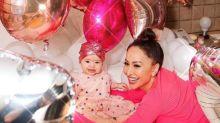 Com balões e muito brilho, Sabrina Sato comemora 8 meses de Zoe: 'Minha felicidade'