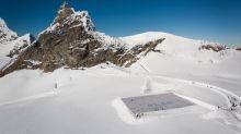 Clima: la più grande cartolina al mondo su un ghiacciaio svizzero