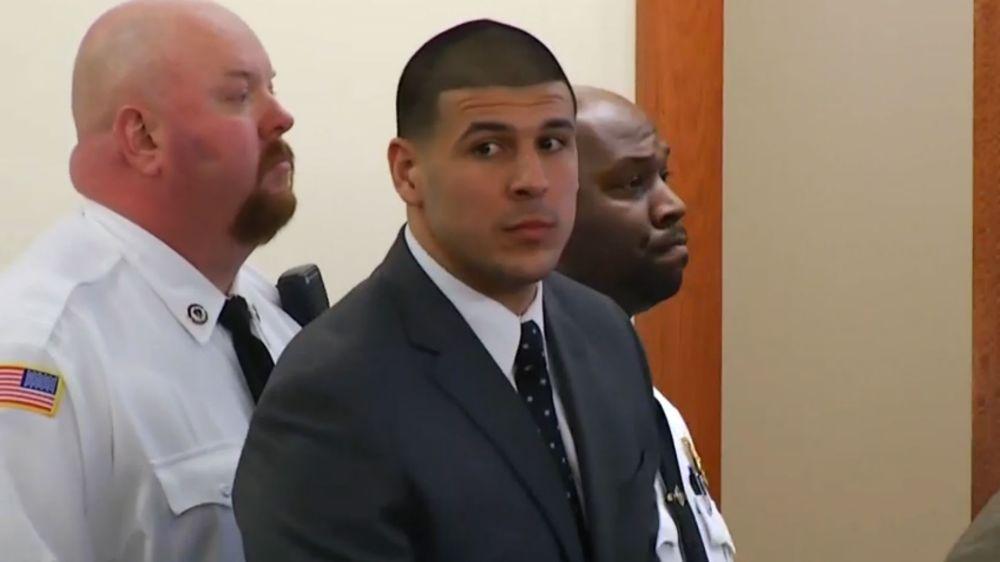 Ex-Patriot Aaron Hernandez commits suicide in prison
