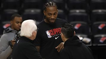Adoring Raptors fans welcome back Kawhi