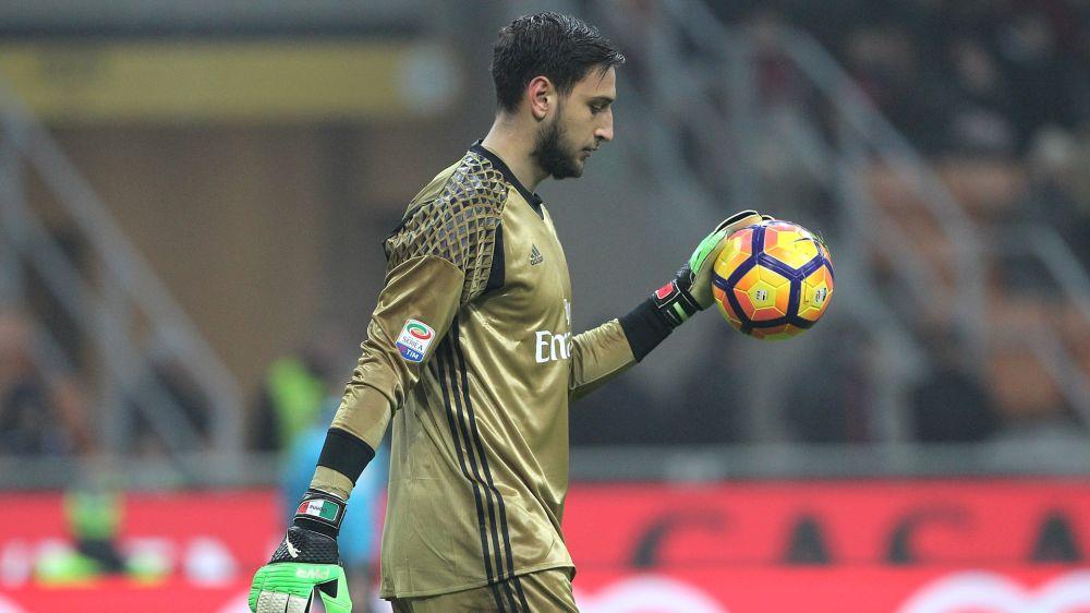 Milan salvó un punto tras el grosero error de Donnarumma