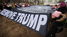 Marcha das Mulheres acentua tom político ao pedir pelo impeachment de Donald Trump