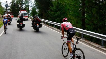 Giro d'Italia 2017 LIVE: Can Dumoulin hold on to the pink jersey in the 18th stage?