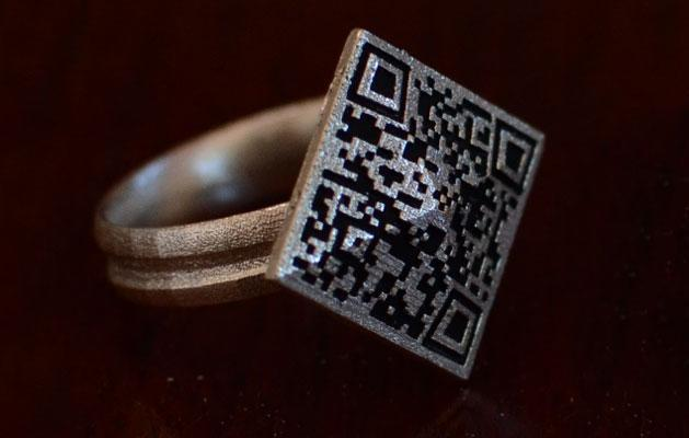 Propose to your beloved with this bitcoin engagement ring