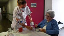"""Isolement en Ehpad : """"Il faut que les familles des résidents en France se révoltent"""", estime un médecin"""