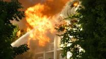 Fire rips through Raleigh apartment building