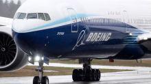 Avión 777X de Boeing despega en su vuelo inaugural