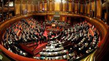 Le nouveau Parlement italien se réunit, toujours l'incertitude