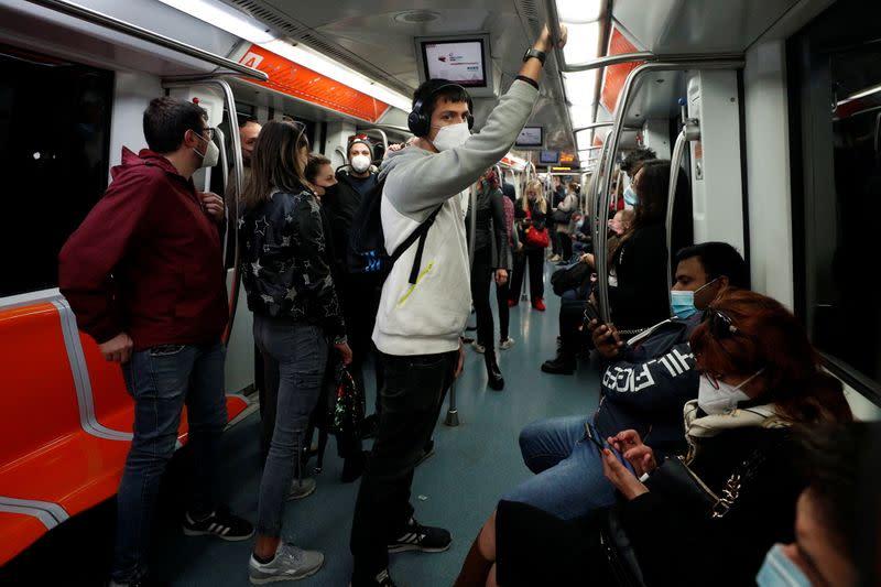 Public transport seen as major culprit for Italy coronavirus surge