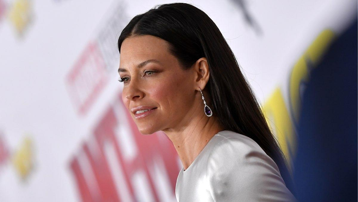 Lost Creators Apologize To Evangeline Lilly After She