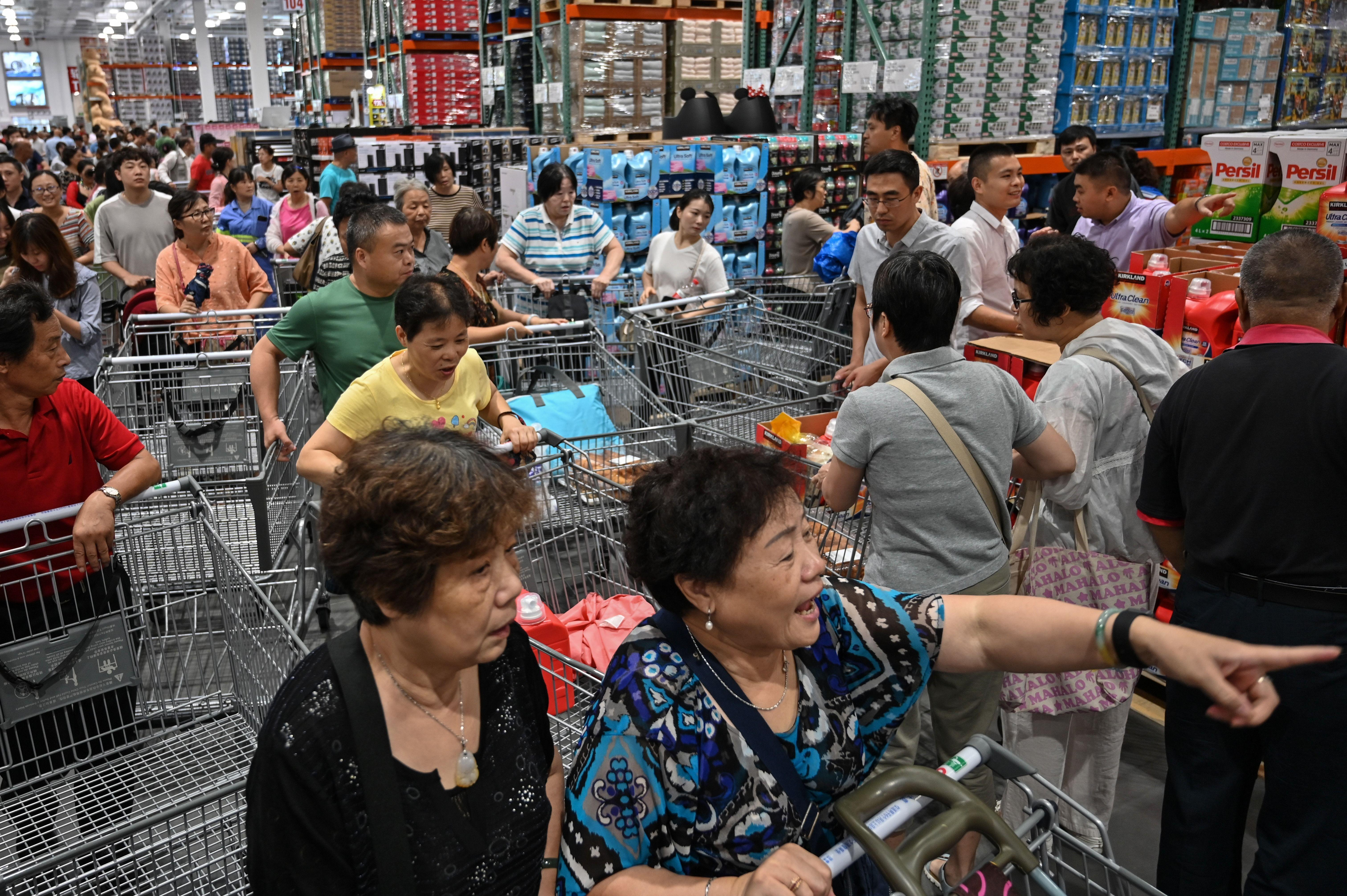 Massive crowds force China's first Costco to close early on opening day: RPT