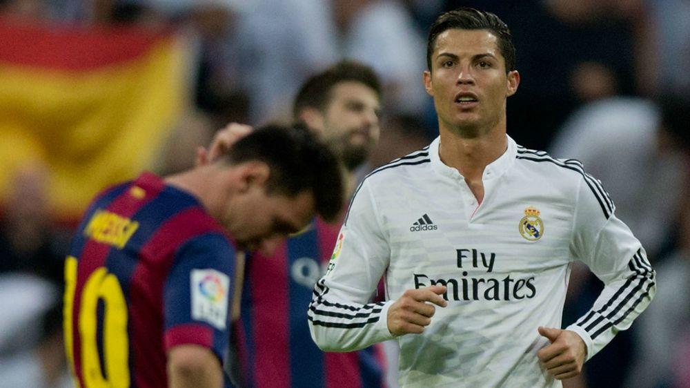 Cristiano Ronaldo y Leo Messi, dibujados besándose en Barcelona