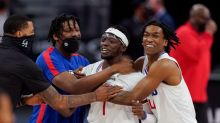 Reggie Jackson, Clippers squeak past Pistons for 7th straight win