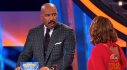 Steve Harvey Shocked by Wife's 'Pool Boy' Answer on 'Celebrity Family Feud'