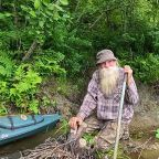 Off-the-grid 'River Dave' ordered out of private woodland despite locals supporting him for 27 years
