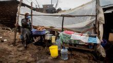 Près de la moitié de la population mondiale vit avec moins de 5 dollars par jour, selon Oxfam