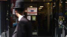 New York prête à reconfiner certains quartiers, une première depuis mars
