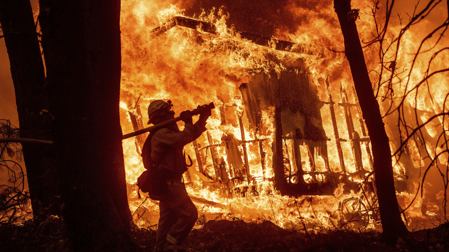 As California fights wildfires, political tempers cool