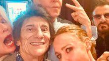 Dos Beatles y un Rolling Stone, ¡actuando juntos!