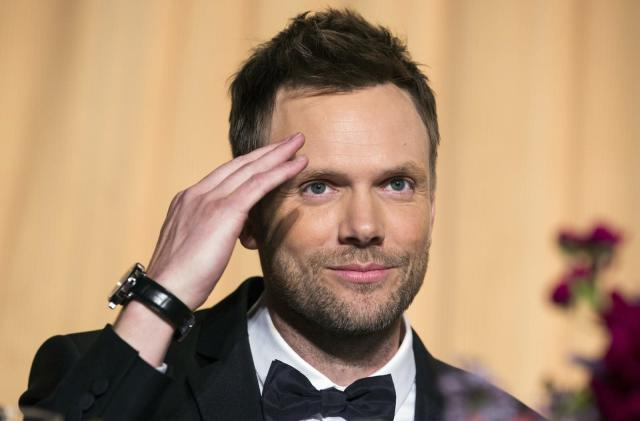 Netflix orders a weekly show hosted by Joel McHale