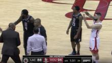 VÍDEO   Un jugador de la NBA logra la expulsión de su padre en un partido