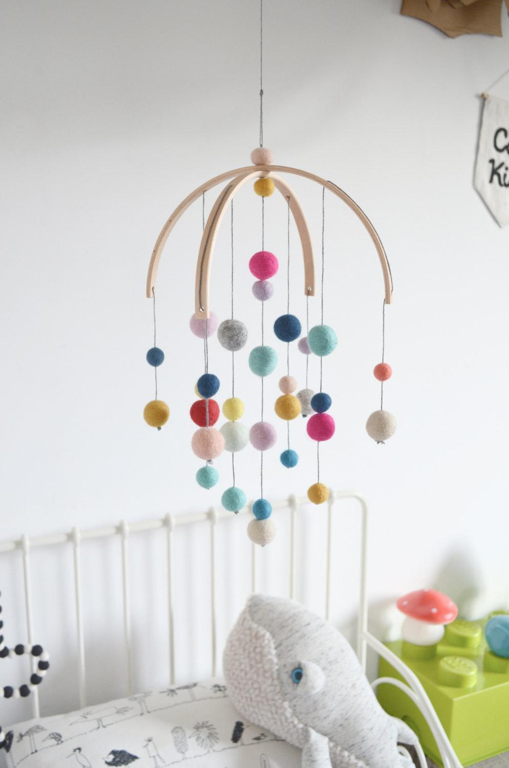 9 beautiful handmade baby mobiles from etsy. Black Bedroom Furniture Sets. Home Design Ideas