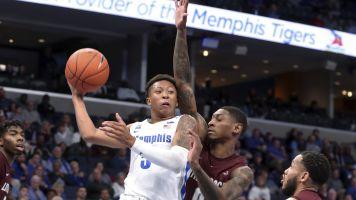 No. 16 Memphis beats Little Rock 68-58 as Wiseman watches