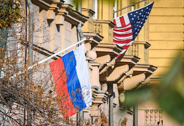 Russia balks at US-run OneWeb satellite internet over security concerns