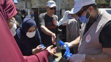 """Covid-19 en Algérie : """"600 cas par jour, c'est véritablement effrayant"""", alerte un pneumologue algérien"""