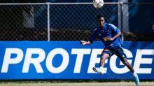 """Cruzeiro acumula prejuízo com Angulo e tenta """"boicotar"""" repasse a empresários"""
