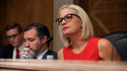 Sinema, la única demócrata que faltó a la cena bipartidista de Harris para mujeres en el Senado