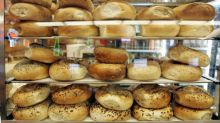 Apple finally fixes incredibly controversial bagel choice for iPhone emoji