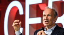 El padre de la World Wide Web lanza acción mundial contra derivas de internet