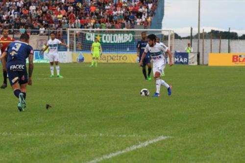 Coritiba tropeça em Cianorte na primeira semifinal