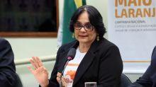 Para ministra Damares, dizer que não existe violência contra LGBTs 'é uma piada'