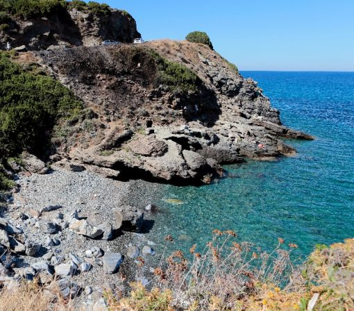 Beach clashes in Corsica lead to third French burqini ban