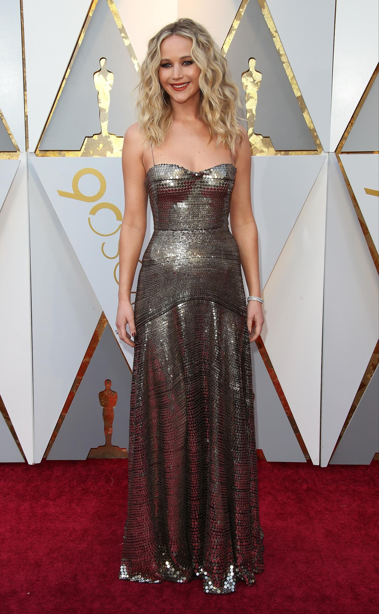 HOLLYWOOD, CA - MARCH 04: Actor Jennifer Lawrence attends the 90th Annual Academy Awards at Hollywood & Highland Center on March 4, 2018 in Hollywood, California. (Photo by Dan MacMedan/WireImage)