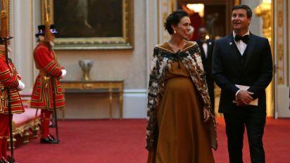 Jacinda Arden praised for wearing Maori coat to Buckingham Palace