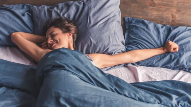 Repor o sono nos fins de semana pode reduzir o risco de morte prematura, afirma estudo