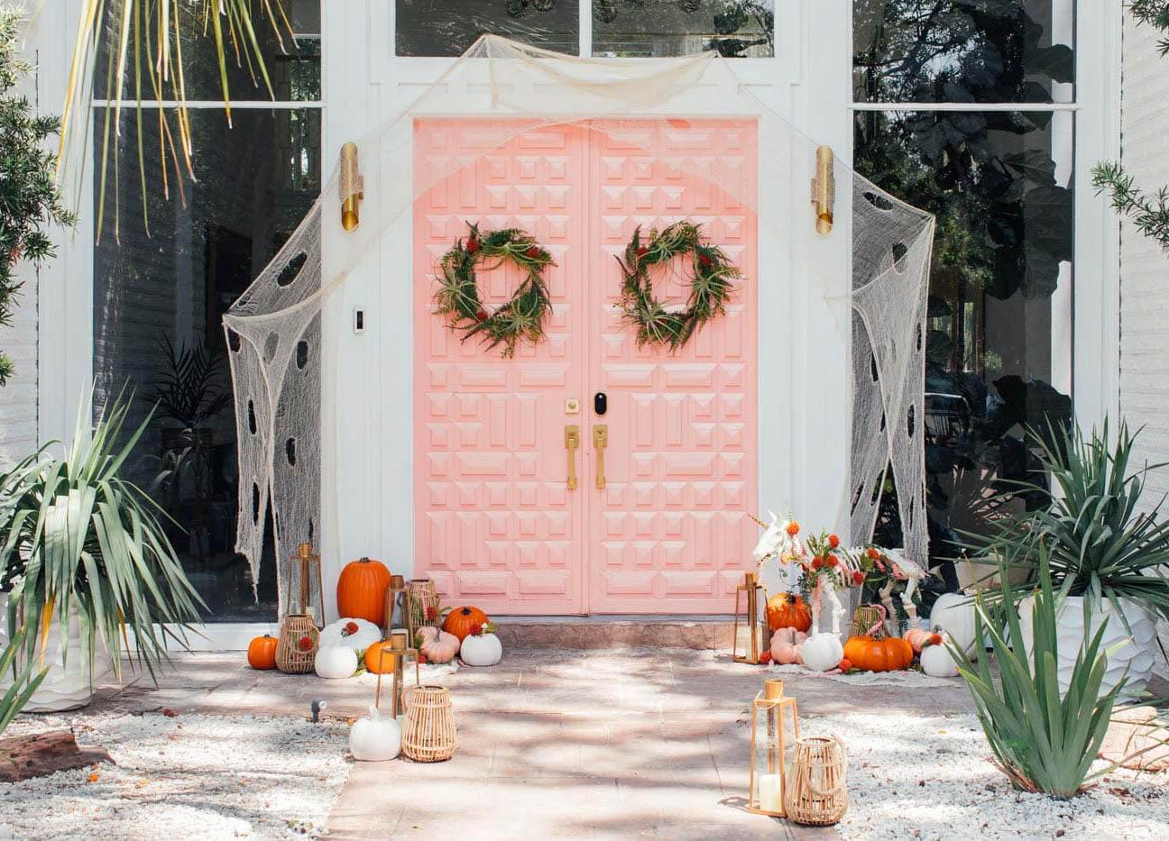 You ll Lose Your Chic Over These Easy Halloween Door Decorations