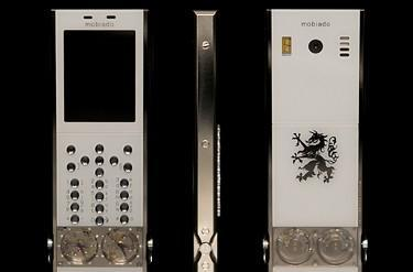 Mobiado's 105GMT in white: still accidentally steampunk
