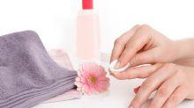 So entfernst du Nagellack ohne Nagellackentferner
