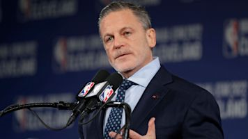 Cavaliers owner Dan Gilbert hospitalized