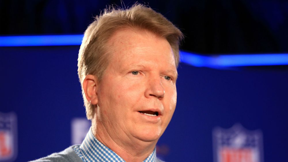 Phil Simms staying with CBS as studio analyst