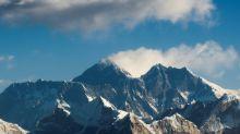 Nepal volta a permitir acesso ao Everest apesar da incerteza sobre COVID-19
