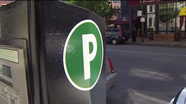 Chicago aldermen approve Emanuel`s parking meter plan