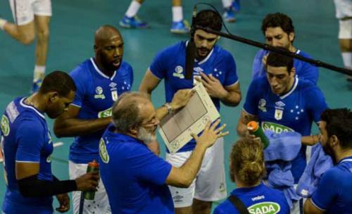 Sada Cruzeiro e Canoas fazem terceira partida das quartas