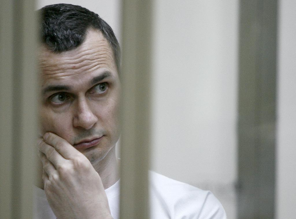 Macron to discuss Ukraine hunger striker Sentsov with Putin